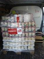 6 Paletten Futterspenden des Spendenmarathons auf Mallorca angekommen.